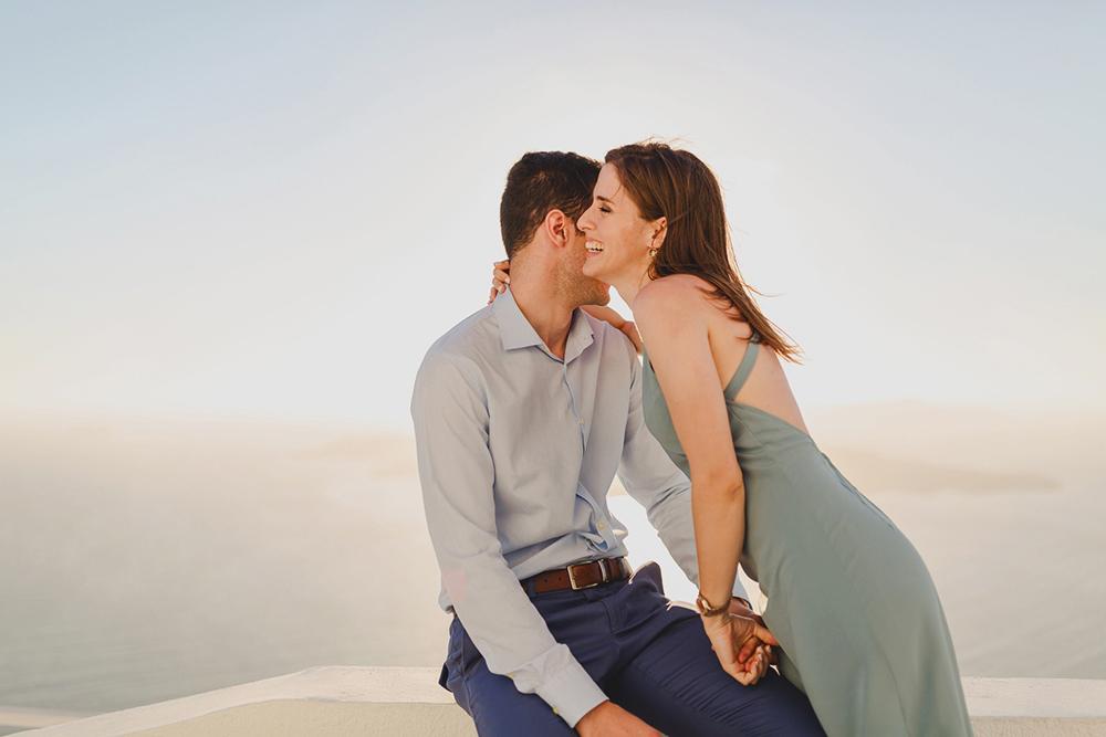 Couple photoshoot in Santorini Imerovigli