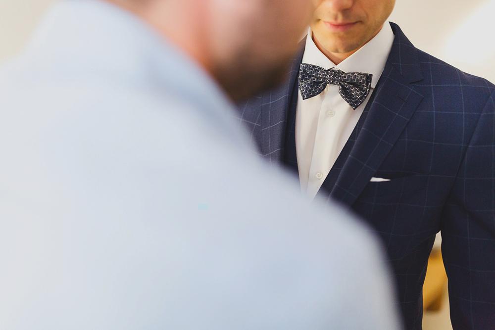Preparation of groom in Santorini
